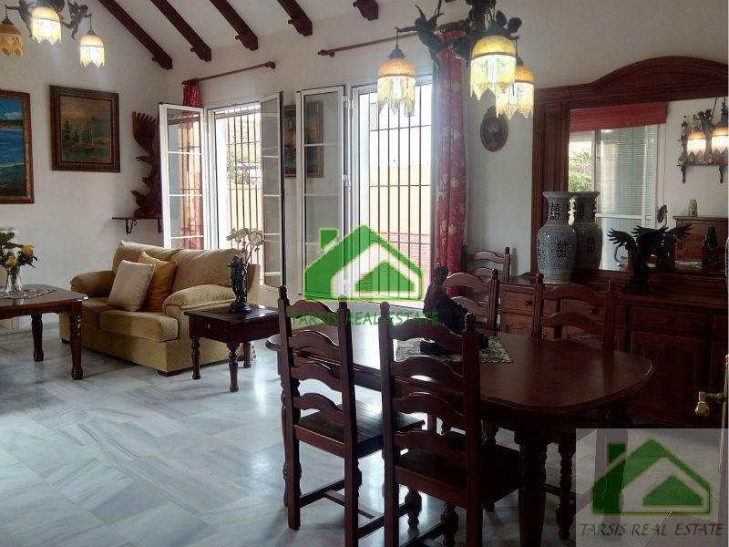 For sale of villa in Sanlúcar de Barrameda