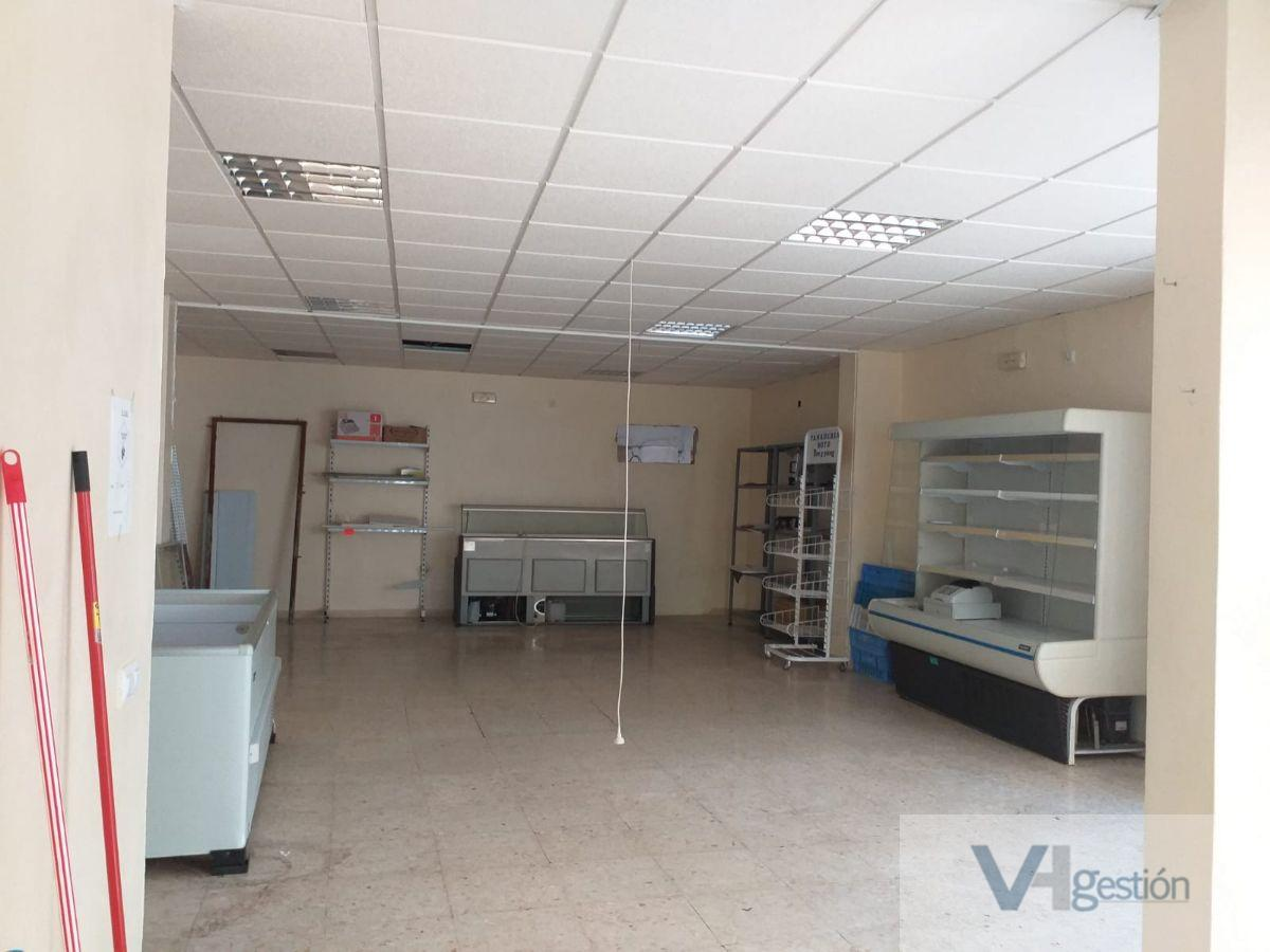 For sale of commercial in Villamartín