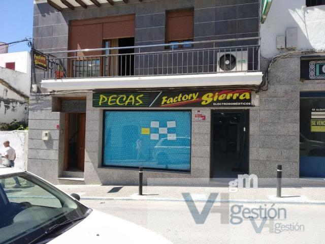 For rent of commercial in Villamartín