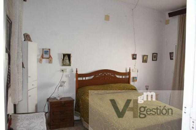 For sale of house in Villamartín