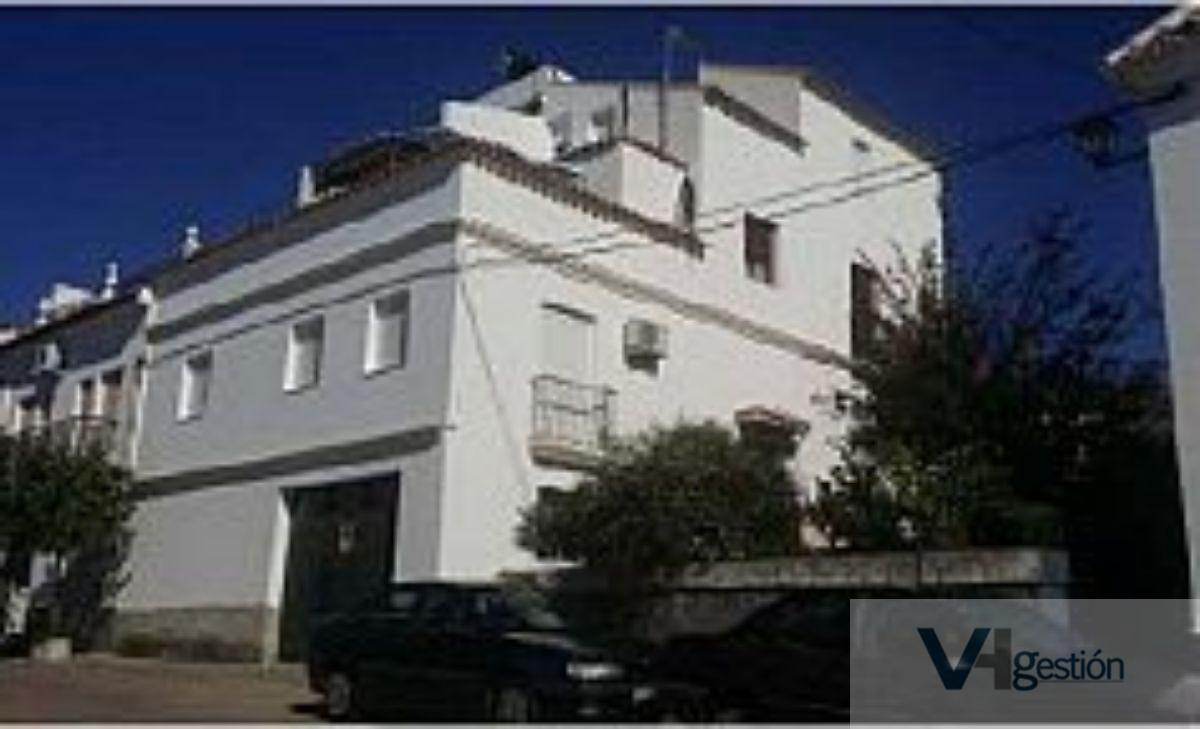For sale of flat in Prado del Rey