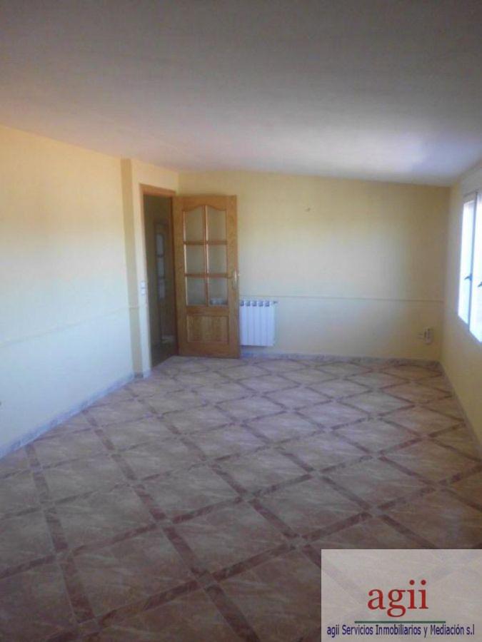 Venta de piso en Mondéjar
