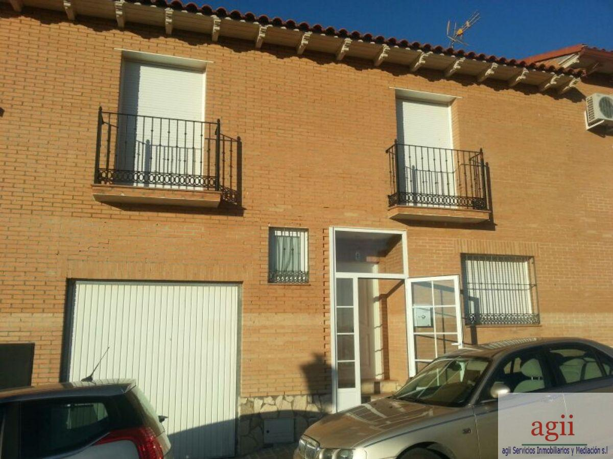 For sale of flat in Tórtola de Henares
