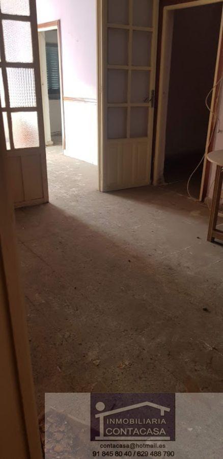 For sale of house in Miraflores de la Sierra