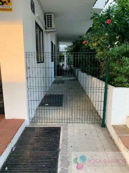 For sale of office in Puerto Banús