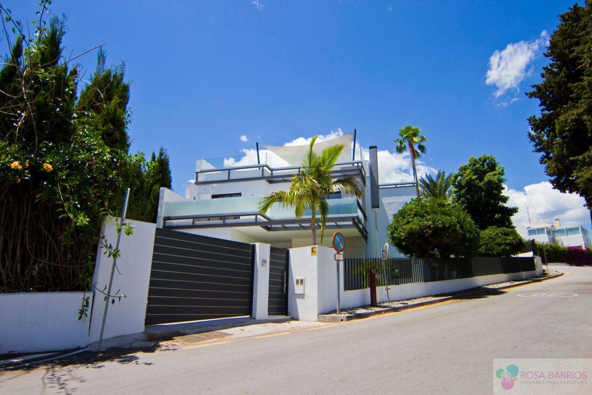 For sale of villa in San Pedro de Alcántara