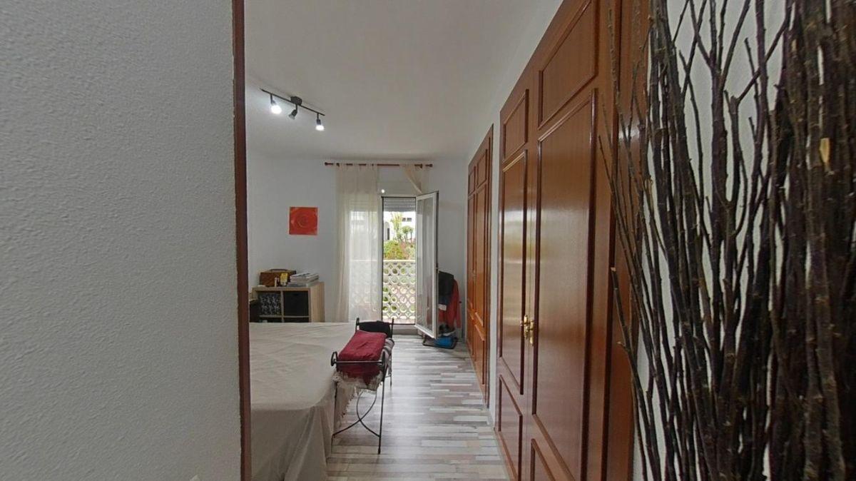 For sale of flat in San Pedro de Alcántara