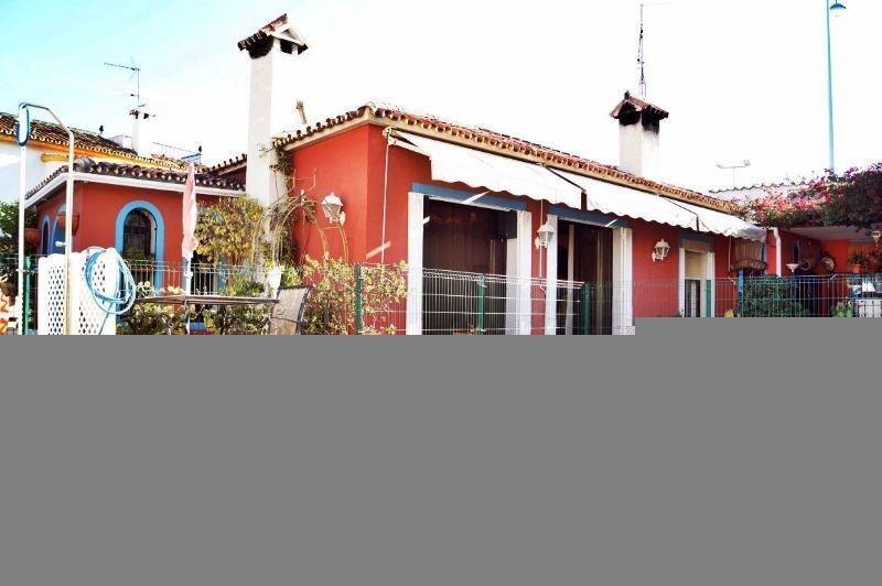 Zu verkaufen von chalet in  San Pedro de Alcántara