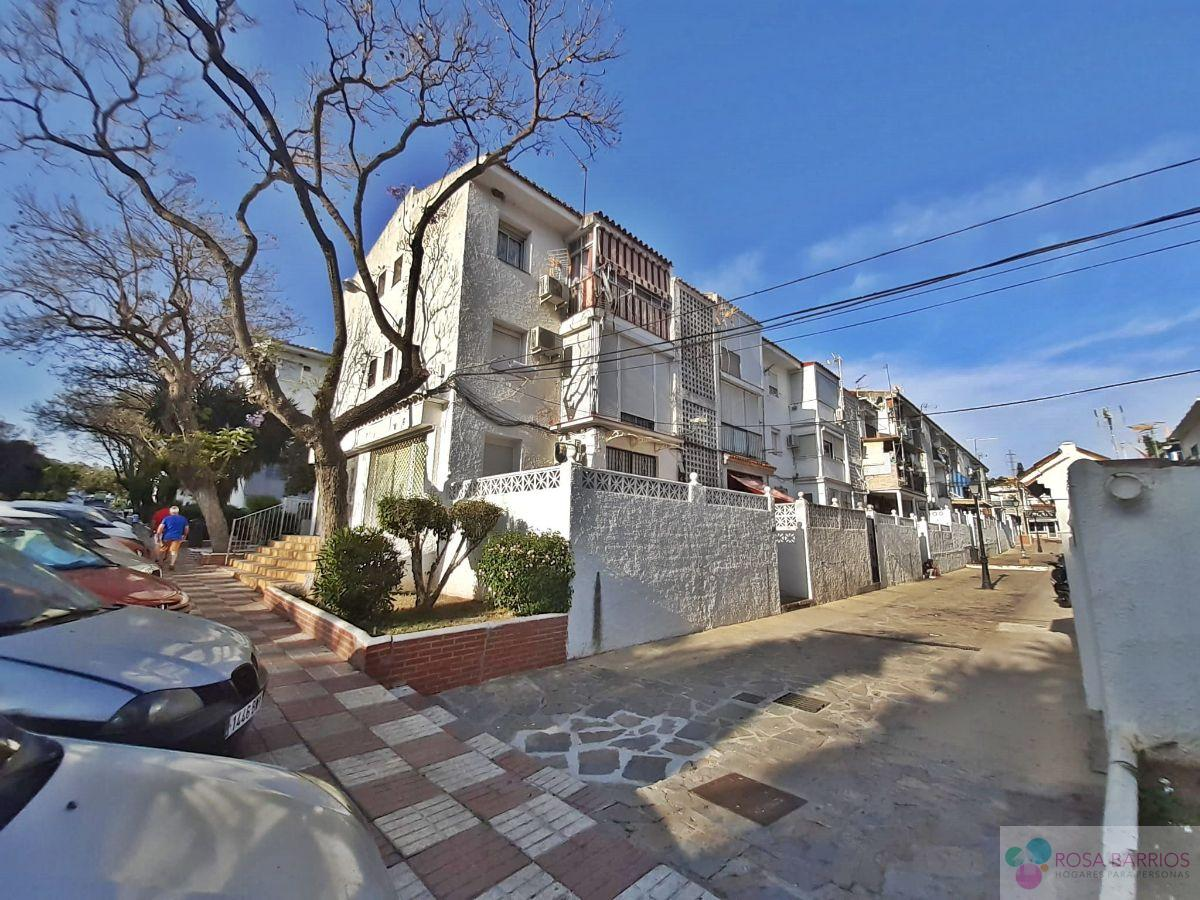 For sale of apartment in Nueva Andalucía