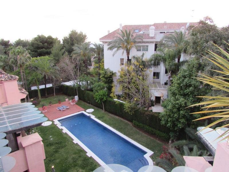 For sale of penthouse in Marbella