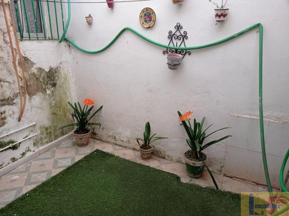 For sale of house in La Algaba