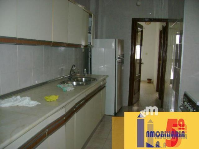 For sale of house in La Algaba
