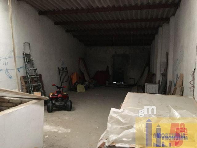 For sale of commercial in Santiponce