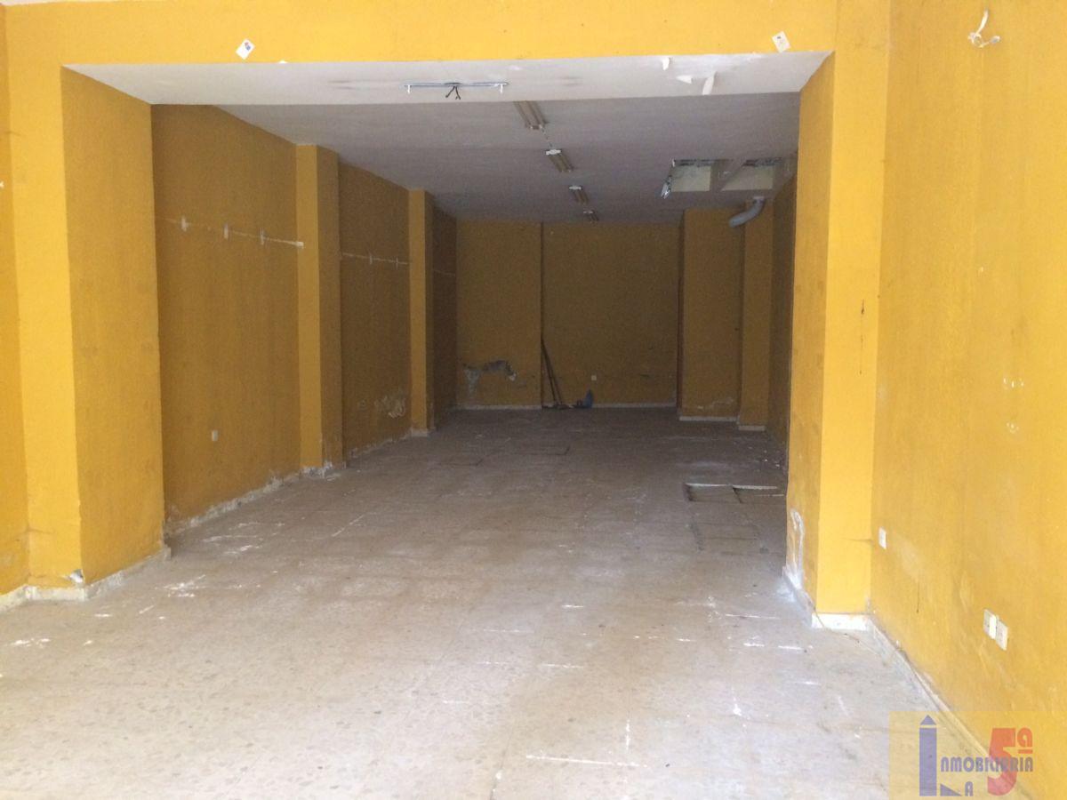 Venta de local comercial en La Algaba