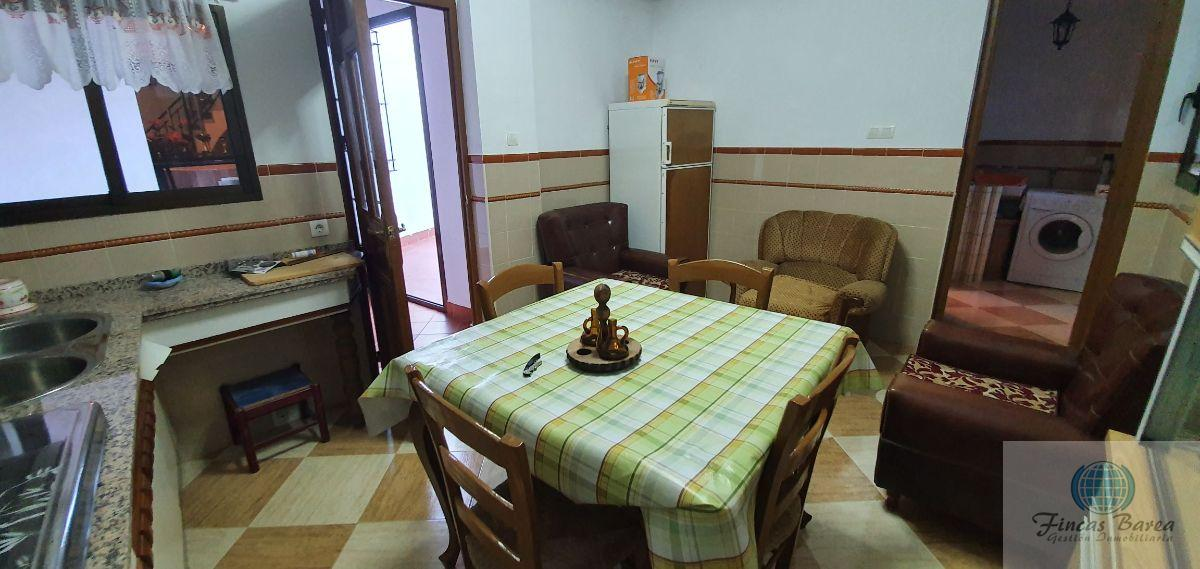 For sale of house in Badolatosa