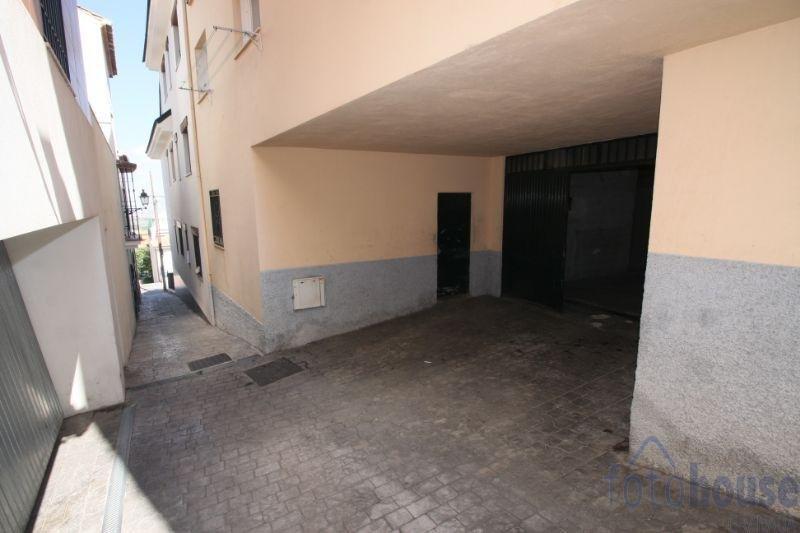 For sale of garage in Cájar