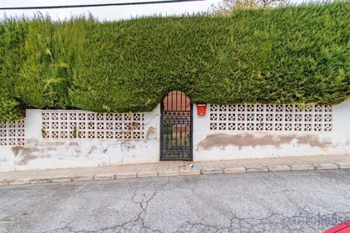 Venta de chalet en La Zubia