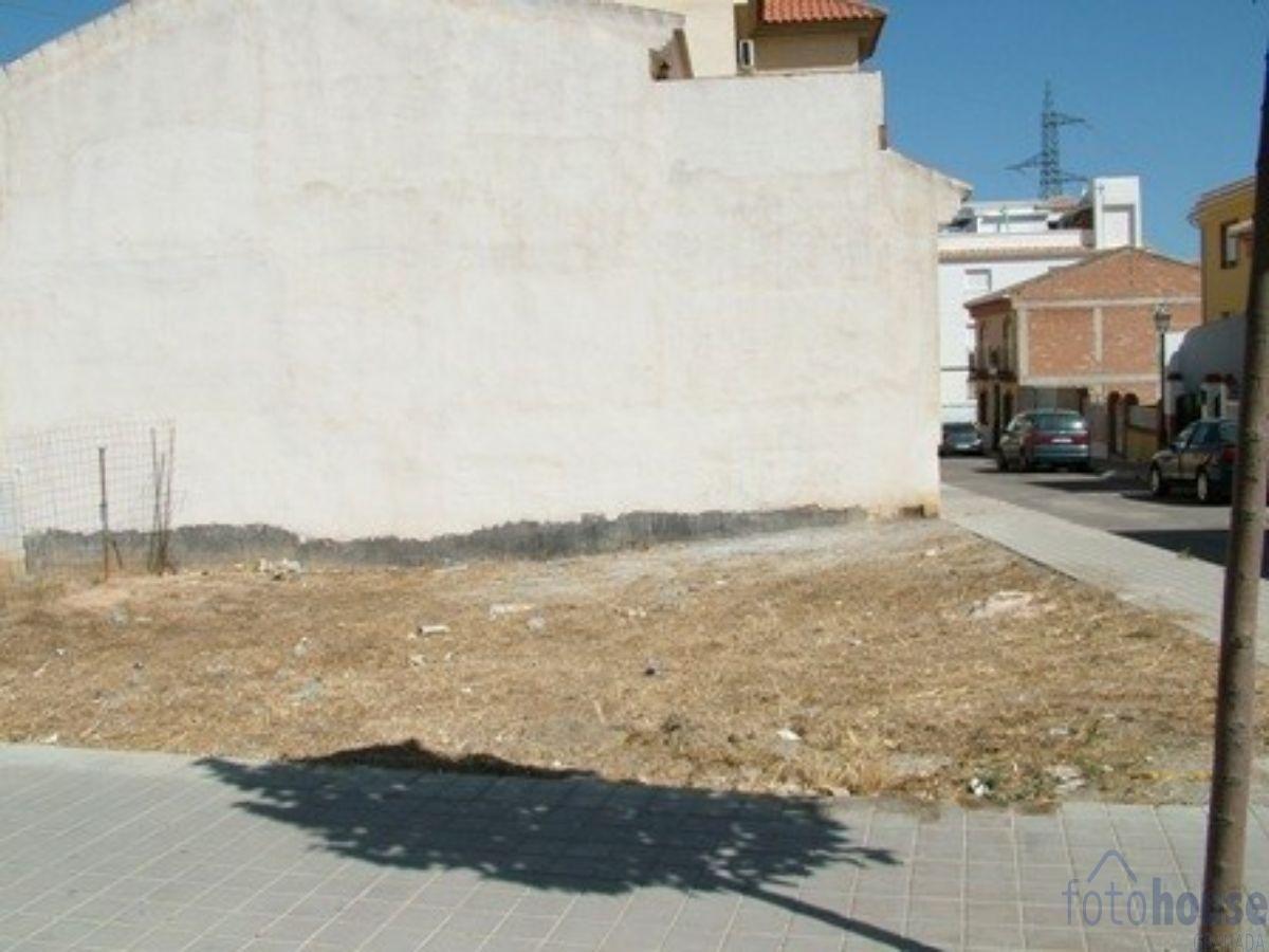For sale of land in Las Gabias