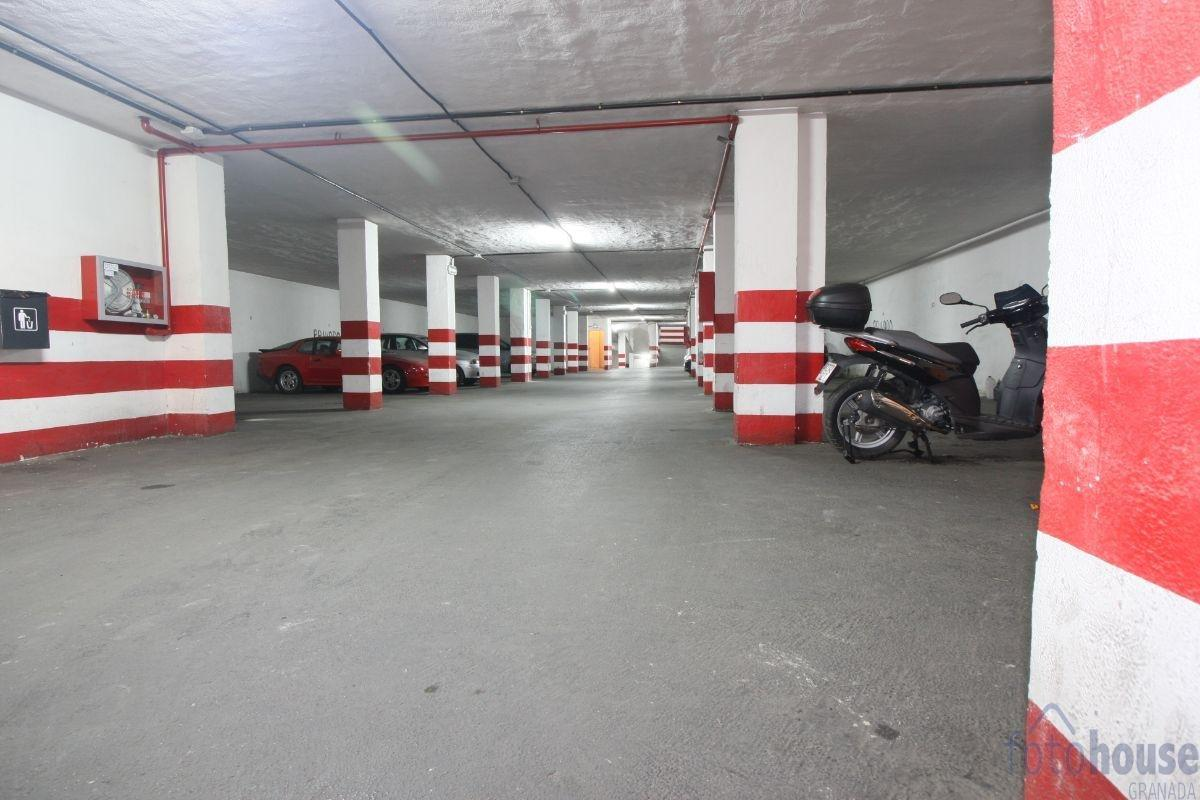 Venta de piso en Cenes de la Vega