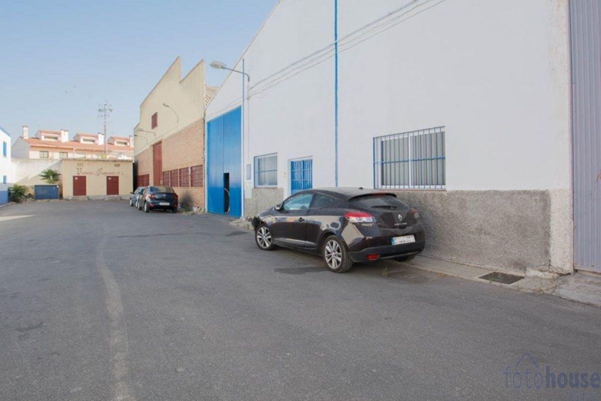 For sale of industrial plant/warehouse in Peligros