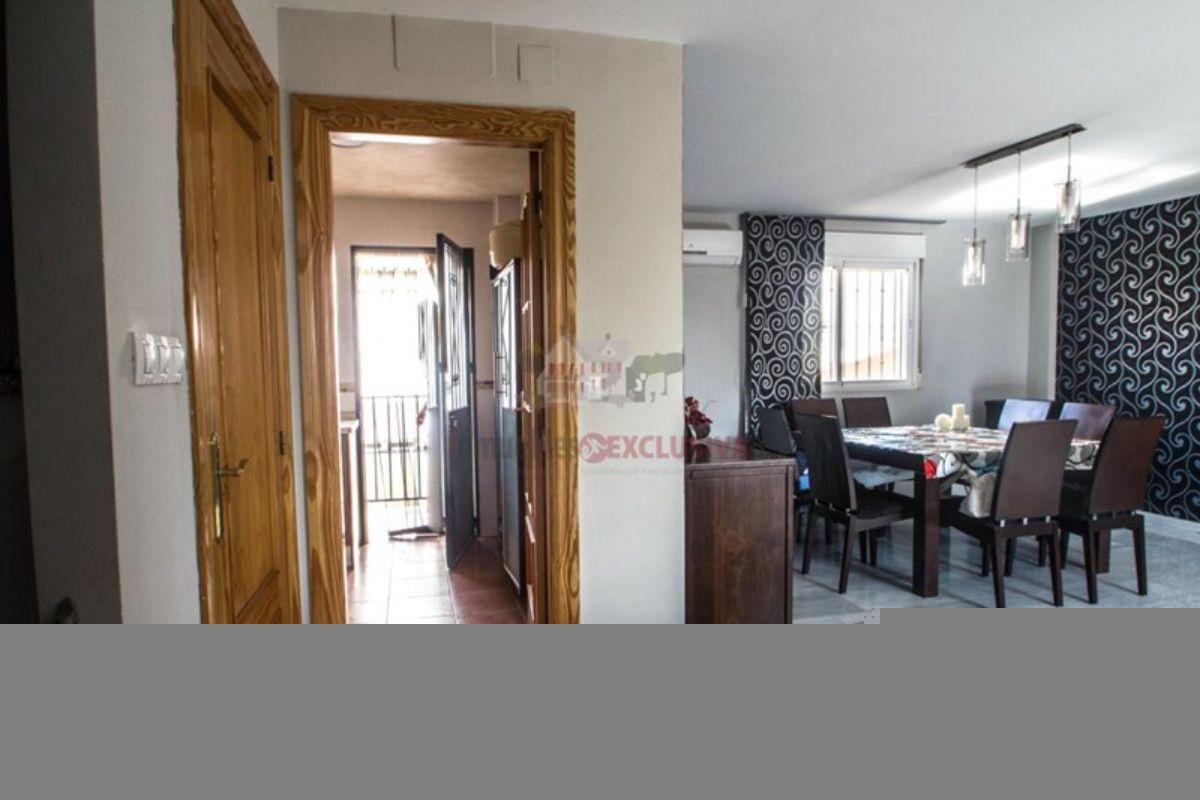 For sale of house in Cúllar Vega