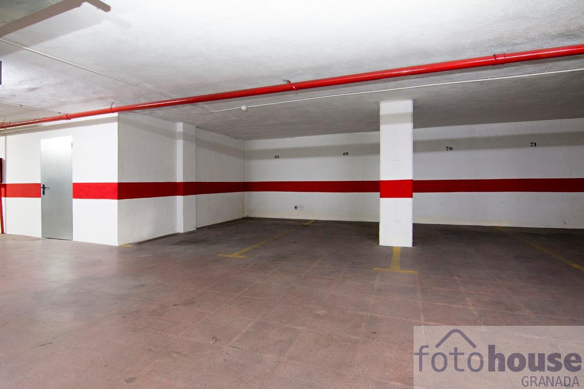 For sale of garage in Granada