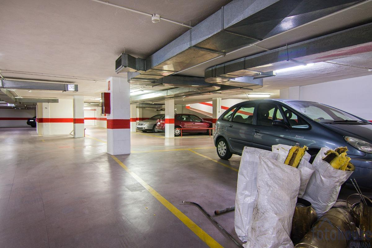 Venta de garaje en Granada