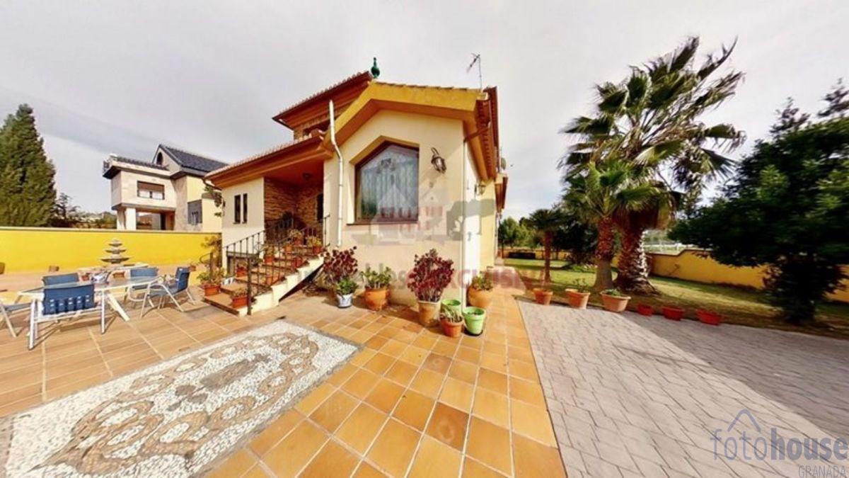 For sale of chalet in Las Gabias