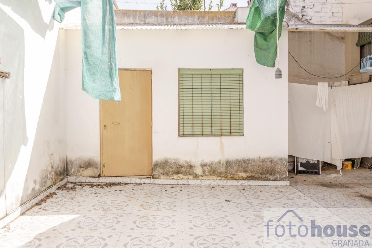 Venta de casa en Alhendín