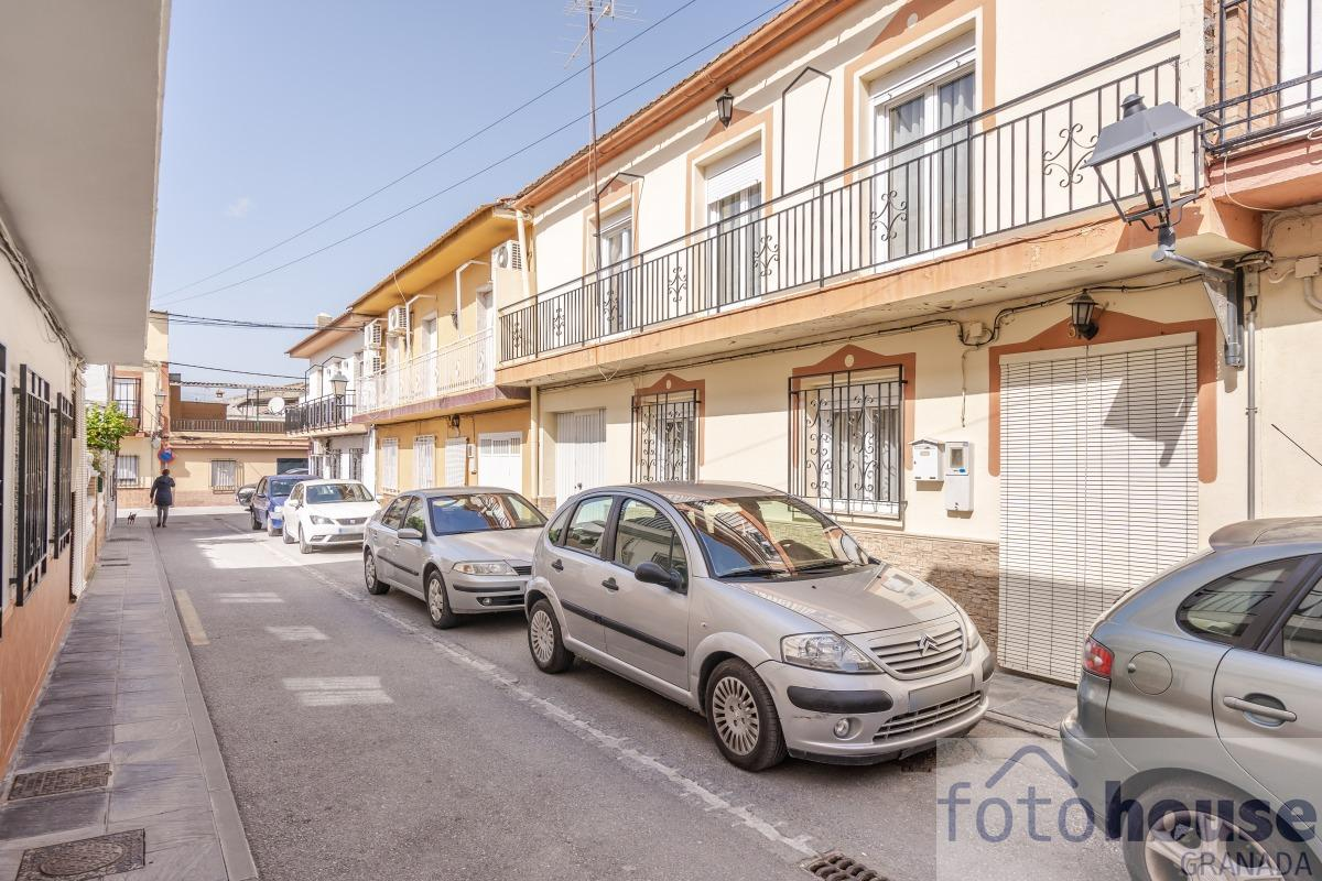For sale of house in Alhendín