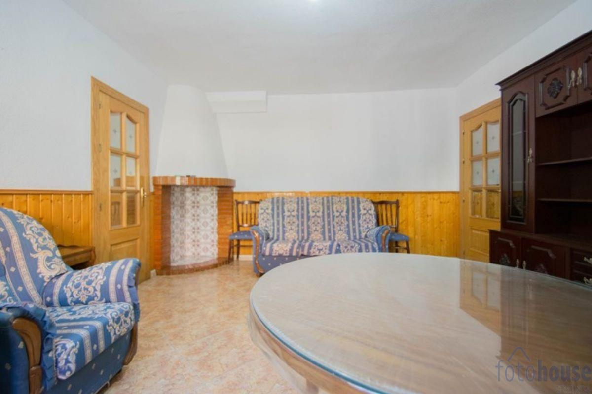 For sale of house in La Zubia