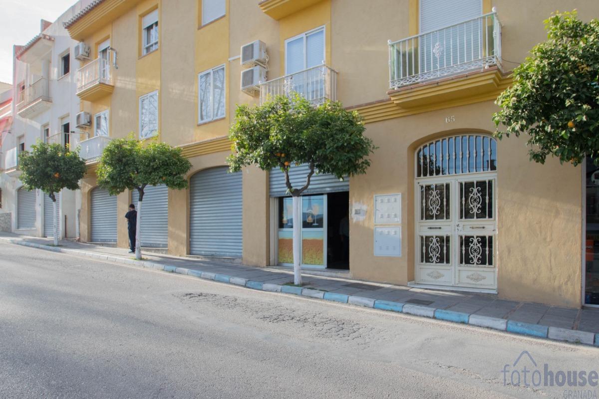 Venta de local comercial en Lanjarón