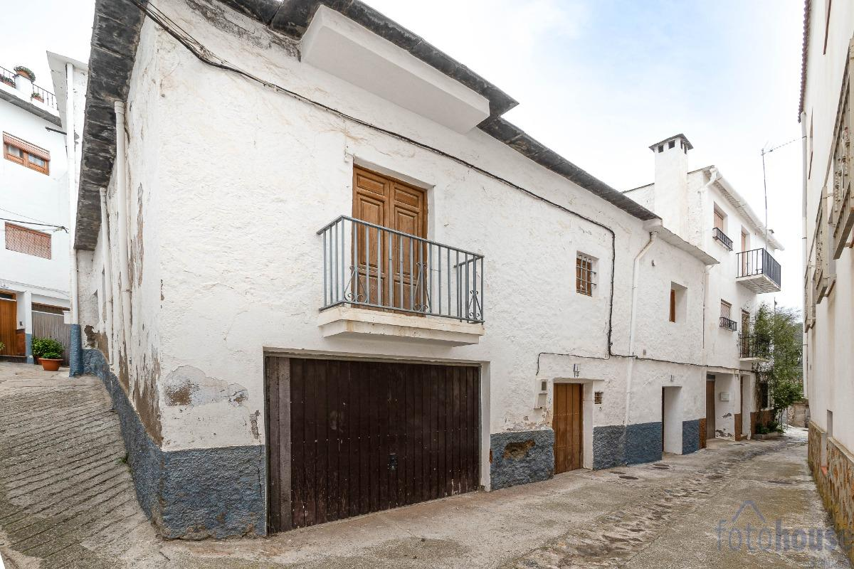 For sale of house in Mecina bombaron