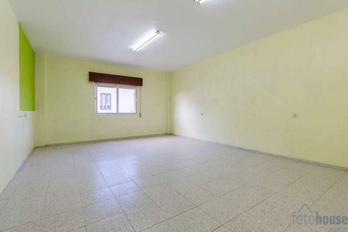For sale of building in Ogíjares