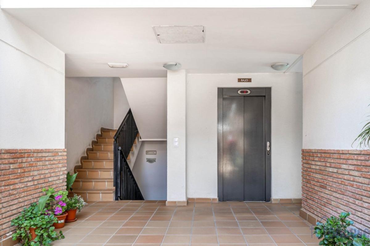 For sale of flat in Alhendín