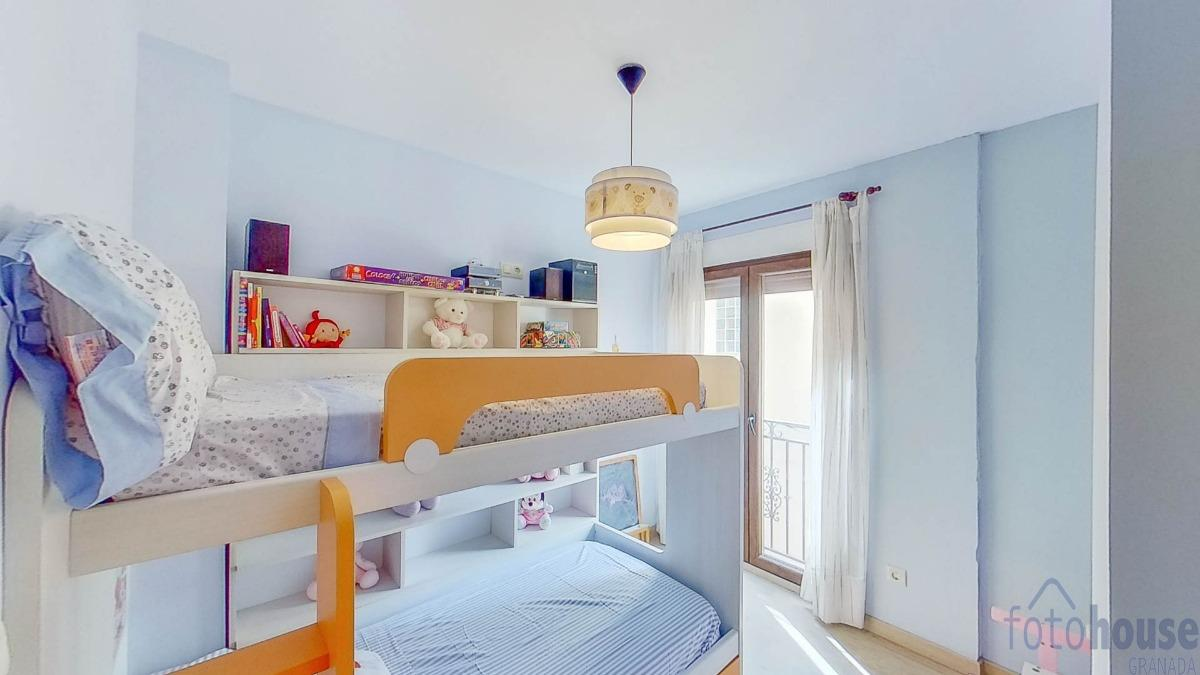 For sale of flat in Peligros