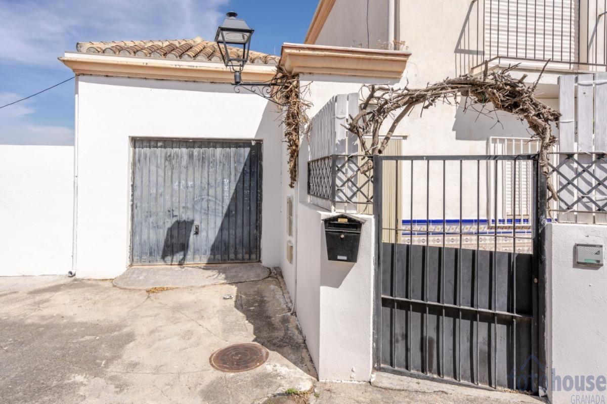 Venta de casa en Cenes de la Vega