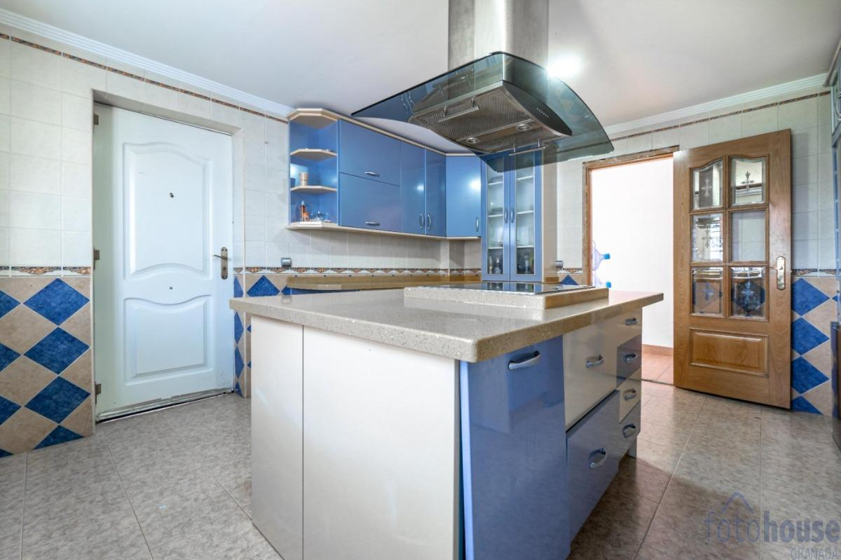 For sale of house in Otura