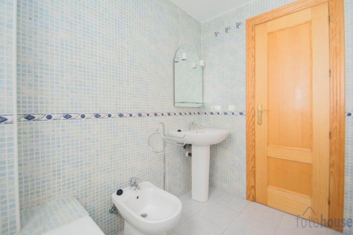 For sale of flat in Las Gabias