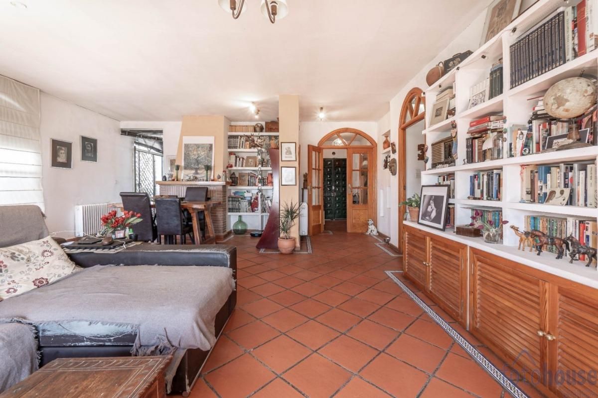 For sale of house in Peligros