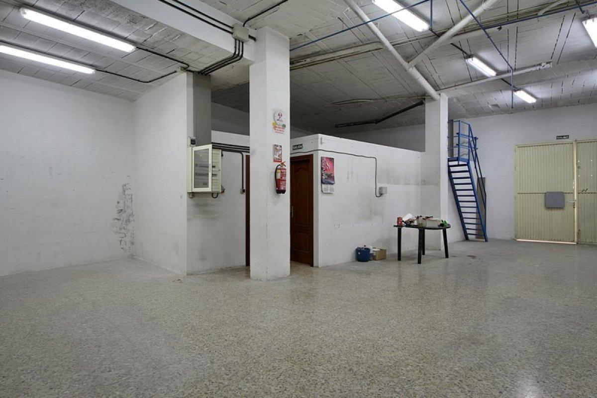 For sale of commercial in Cenes de la Vega