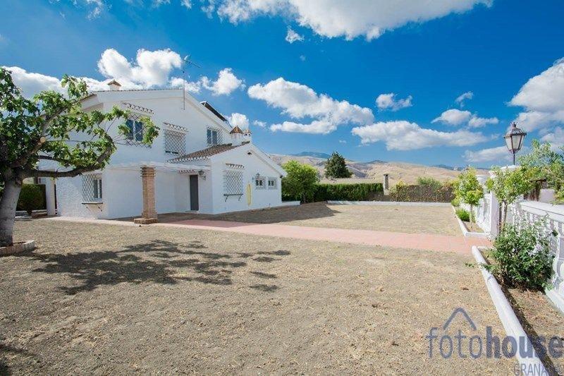 For sale of chalet in Cenes de la Vega