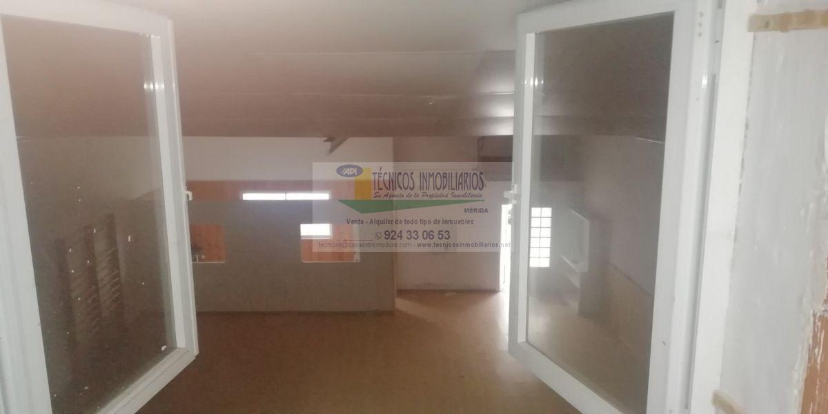 For sale of commercial in Mérida
