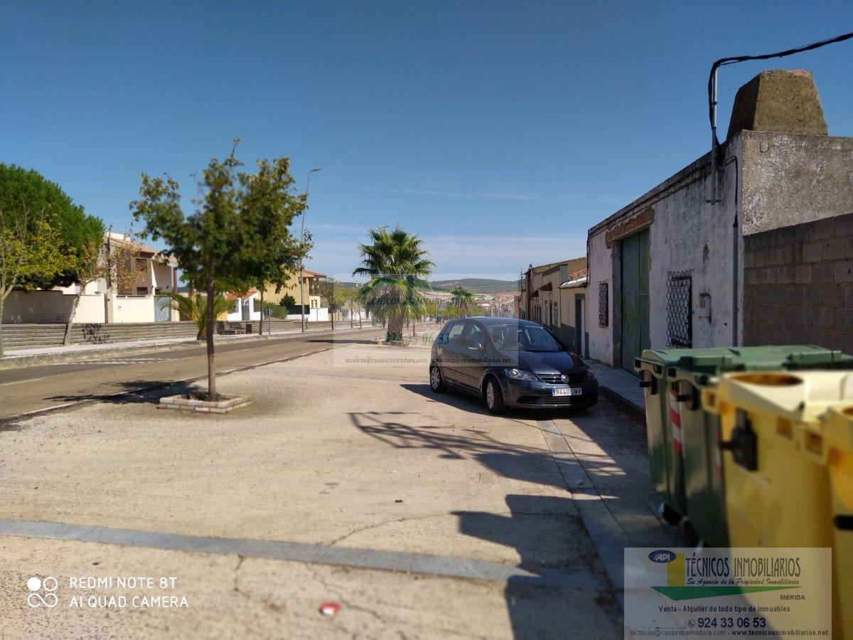 For sale of land in Mirandilla