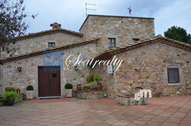 For rent of masia in Sant Feliu de Guíxols