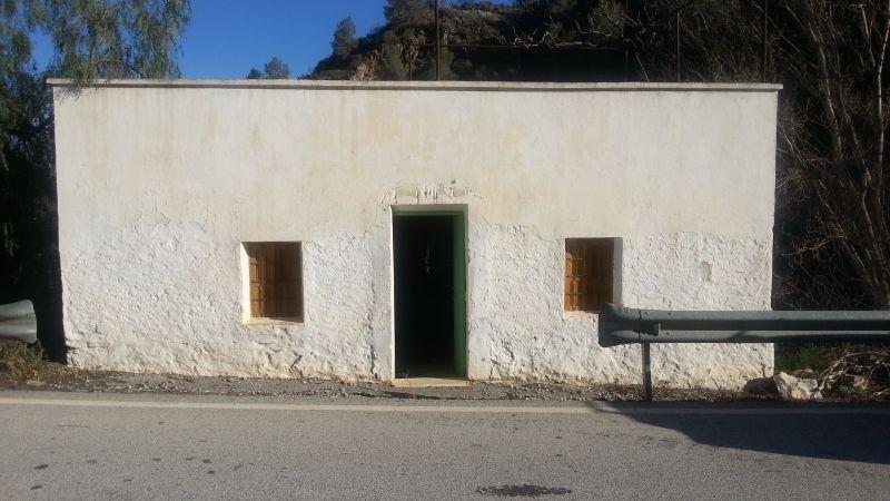 Venta de finca rústica en Líjar