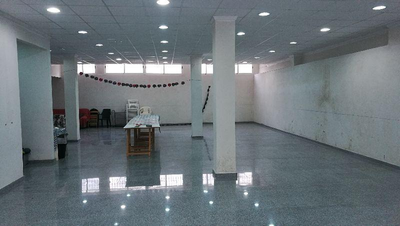 For rent of commercial in Fines