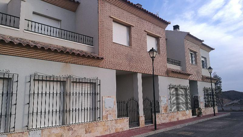 For sale of duplex in Taberno