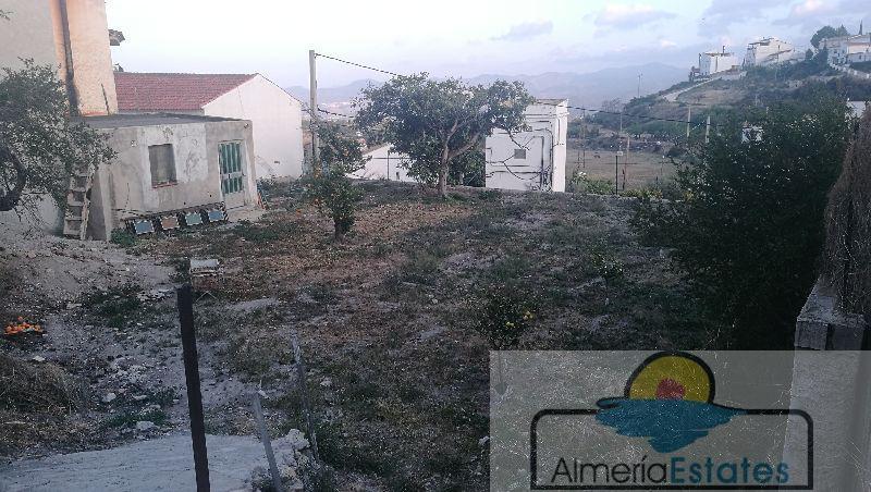 Venta de casa en Urrácal