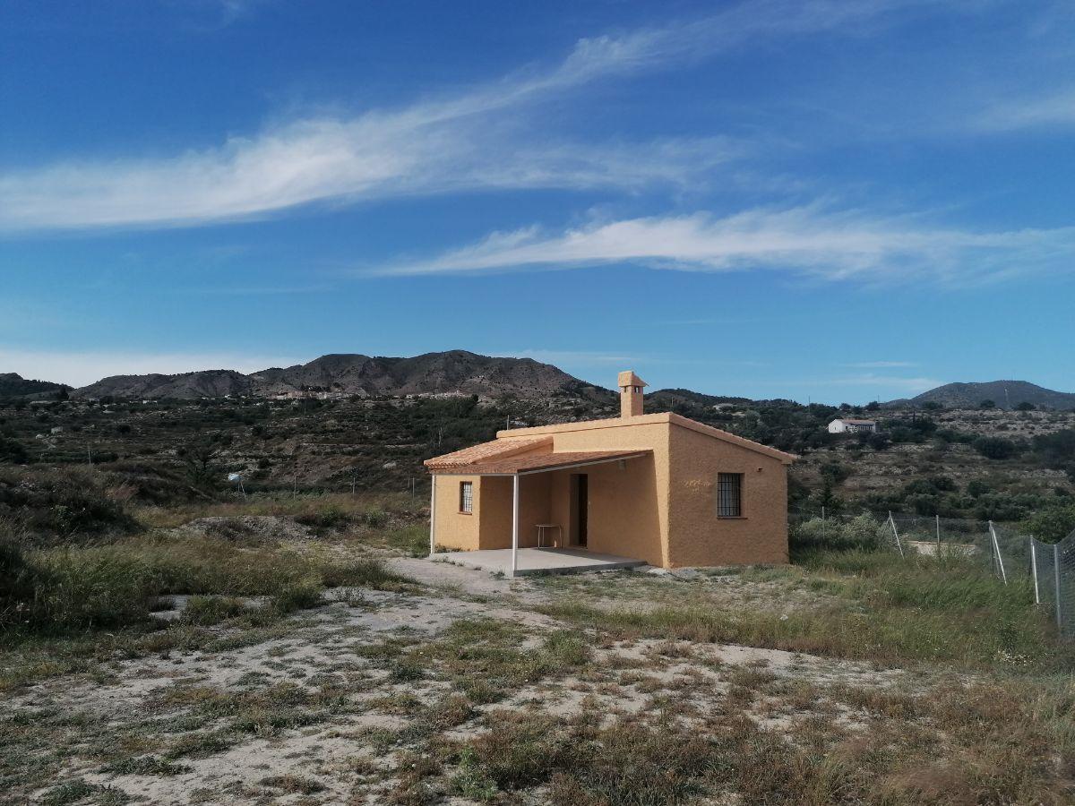 Venta de villa en Somontín